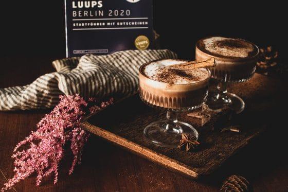 Heisse Schokolade mit Schuss und Luups Gutscheinbücher